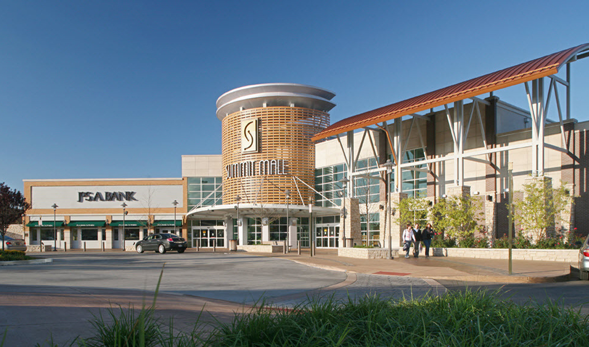 Summit Mall Stores >> Do Business At Summit Mall A Simon Property