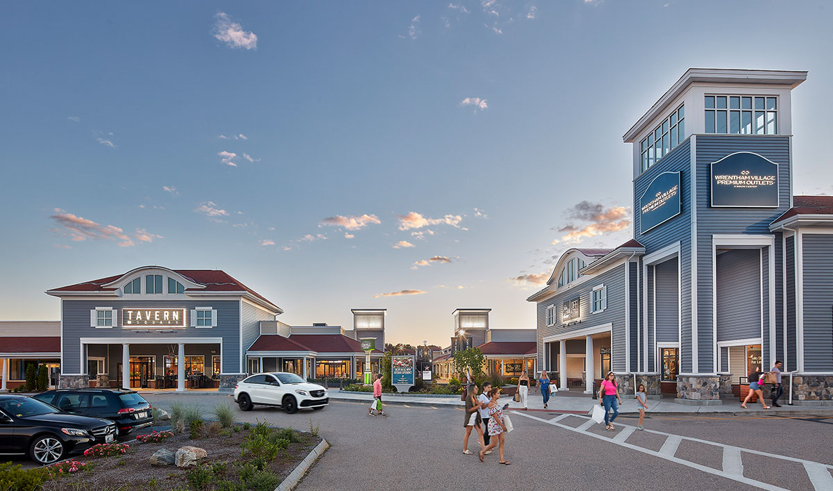 Boston Outlets. Our Boston outlet mall guide has all the outlet malls in and around Boston, helping you discover the most convenient outlet shopping according to your location and travel plans.