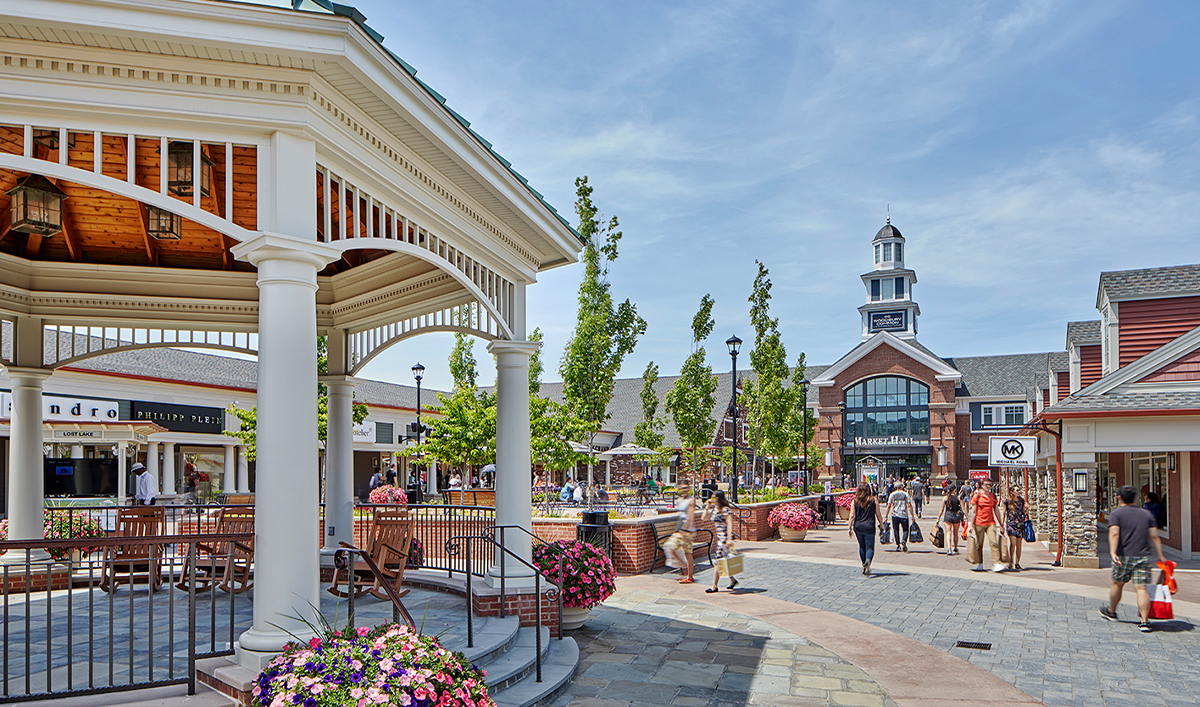 Woodbury Commons outlets in Downstate New York